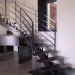 Escalier débillardé et meuble attenant entièrement en métal - Goos - Landes