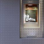 Habillage de la façade d'une bijouterie en claustras découpés au laser - Dax - Landes