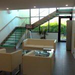 Escalier en inox avec marches et garde-corps en verre - Riscle - Gers